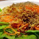生野菜がたっぷり食べれる『便利グッズ、クルルの肉食家族物語』
